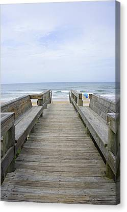 Canvas Print featuring the photograph A Welcoming View by Laurie Perry