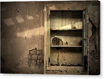 Abandoned Kitchen Cabinet Canvas Print by RicardMN Photography