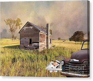 Canvas Print featuring the photograph Abandoned by Liane Wright