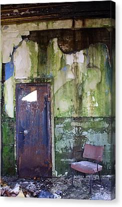 Aberdeen Chair Canvas Print by Suzanne Lorenz