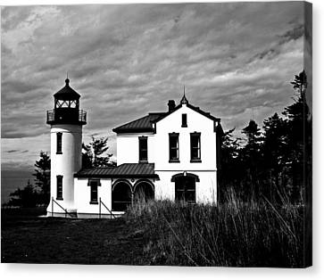 Old Door And Pacific Ocean Canvas Print - Admiralty Head Lighthouse Bw by Kevin D Davis