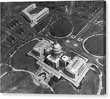 Aerial View Of U.s. Capitol Canvas Print by Underwood Archives