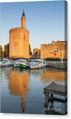 Aigues-mortes  Languedoc-roussillon France Constance Tower Canvas Print by Colin and Linda McKie