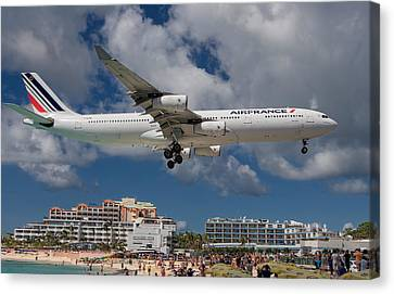 Air France Landing At St. Maarten Canvas Print by David Gleeson