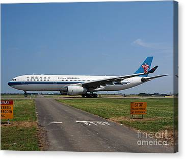 Airbus A330 Canvas Print by Paul Fearn
