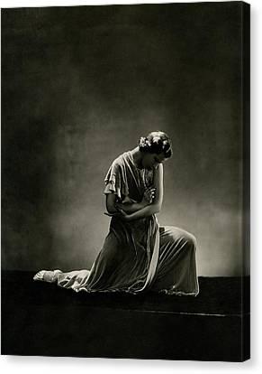 Alanova Kneeling In A Dress Canvas Print