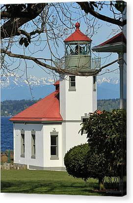Canvas Print featuring the photograph Alki Lighthouse by E Faithe Lester