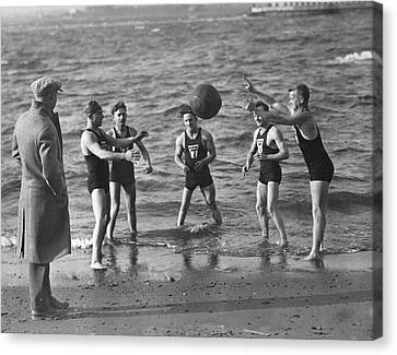 Healthy-lifestyle Canvas Print - All Weather Ny Swimmers by Underwood Archives