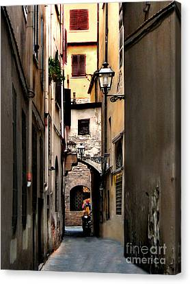 Alley In Florence 1 Canvas Print by Jennie Breeze