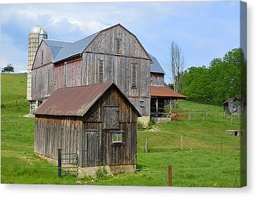 Amish Barn #2 - Woodward Pa Canvas Print