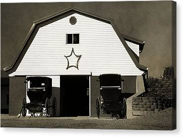 Amish Barn And Buggies Canvas Print by Dan Sproul