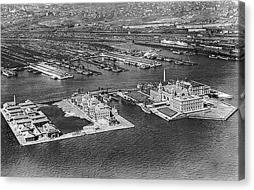 An Aerial View Of Ellis Island Canvas Print by Underwood Archives