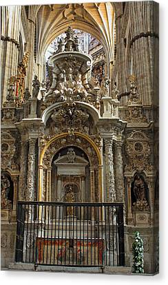 An Alter In The Salamanca Cathedral Canvas Print by Farol Tomson