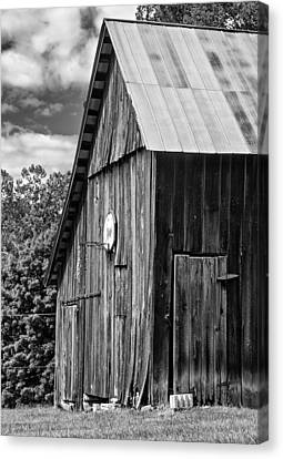 An American Barn Bw Canvas Print