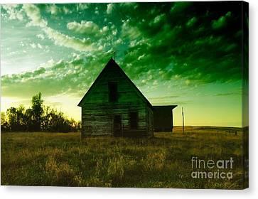 An Old North Dakota Farm House Canvas Print by Jeff Swan
