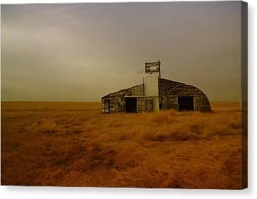 An Unusual Barn In Eastern Montana  Canvas Print by Jeff Swan