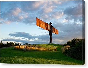 Angel Of The North Canvas Print by Stephen Taylor