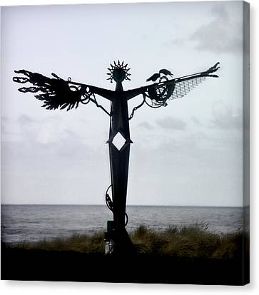 Angel Sculpture On The Oregon Coast Canvas Print by Carol Leigh