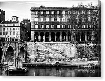 Angles In Trastevere Canvas Print