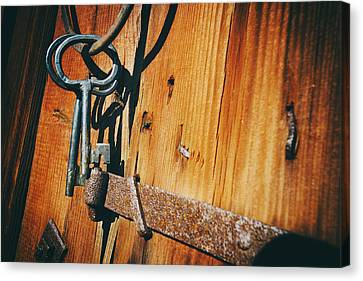 Antique Keys And Rings Canvas Print
