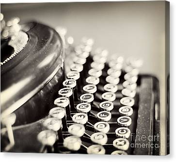 Antique Typewriter Canvas Print by Ivy Ho