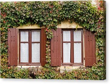 Apremont-sur-allier Windows Canvas Print