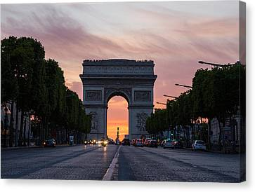 Arch Of Triumph With Dramatic Sunset Canvas Print by Gurgen Bakhshetsyan