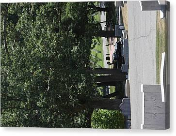 Arlington National Cemetery - 121233 Canvas Print by DC Photographer