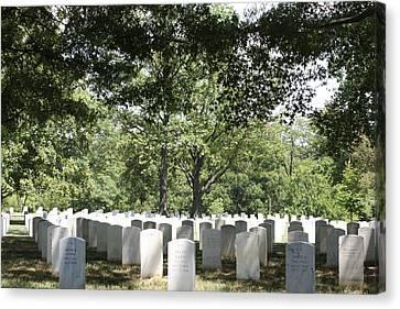 Arlington National Cemetery - 121245 Canvas Print by DC Photographer