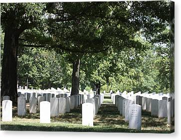 Arlington National Cemetery - 121246 Canvas Print by DC Photographer