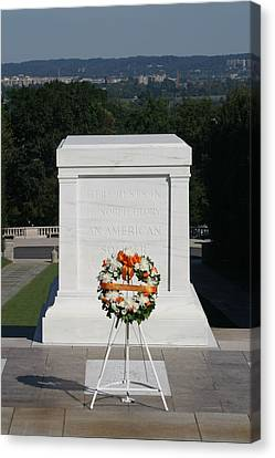 Arlington National Cemetery - Tomb Of The Unknown Soldier - 12121 Canvas Print by DC Photographer