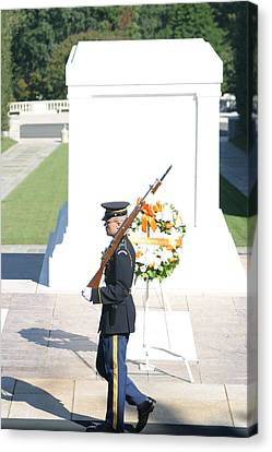 Arlington National Cemetery - Tomb Of The Unknown Soldier - 121214 Canvas Print by DC Photographer
