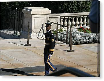 Arlington National Cemetery - Tomb Of The Unknown Soldier - 12125 Canvas Print by DC Photographer