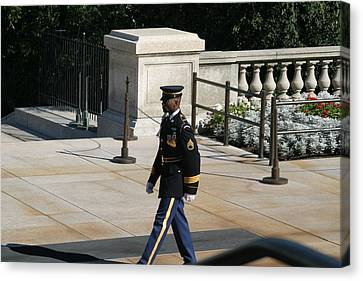 Arlington National Cemetery - Tomb Of The Unknown Soldier - 12126 Canvas Print by DC Photographer