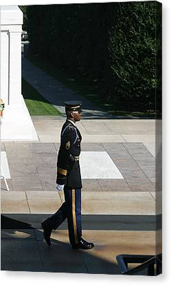 Arlington National Cemetery - Tomb Of The Unknown Soldier - 12129 Canvas Print by DC Photographer