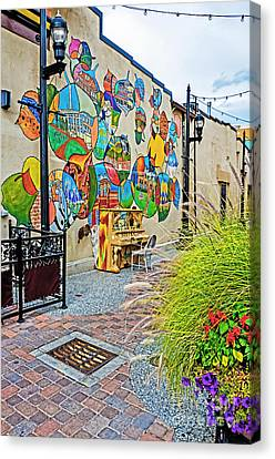 Art Alley 2 Canvas Print by Keith Ducker