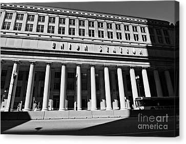 Art Deco Union Station Chicago Illinois Film Noir Style Photo Canvas Print by Linda Matlow