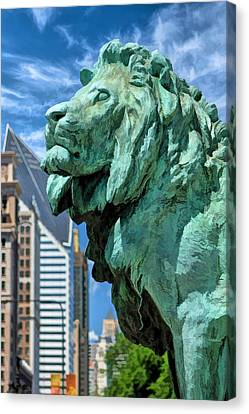 Art Institute In Chicago Lion Canvas Print by Christopher Arndt