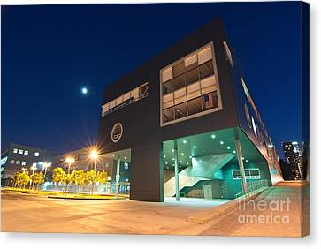 Art School - Visual And Performing Arts High School In Downtown Los Angeles Canvas Print by Jamie Pham