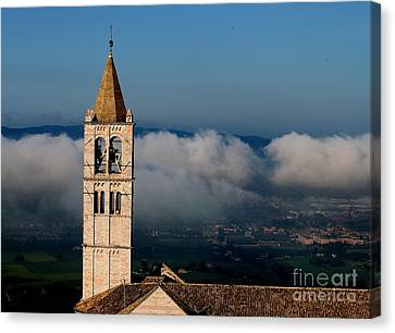 Canvas Print featuring the photograph Assisi - 4 by Theresa Ramos-DuVon