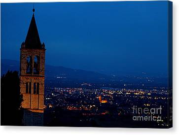 Canvas Print featuring the photograph Assisi 5 by Theresa Ramos-DuVon
