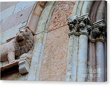 Canvas Print featuring the photograph Assisi -6 by Theresa Ramos-DuVon