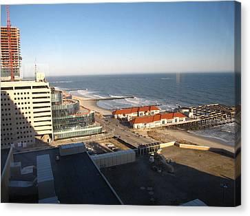 Atlantic City - 01133 Canvas Print by DC Photographer