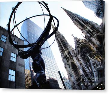 Atlas Statue And St.patrick's Cathedral In Color Canvas Print by Nishanth Gopinathan