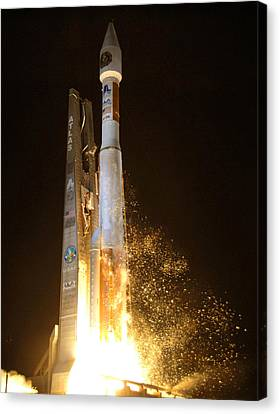 Canvas Print featuring the photograph Atlas V Rocket Taking Off by Science Source