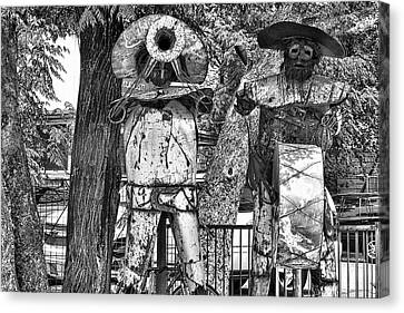 Austin Musical Duo Bw Canvas Print by Linda Phelps