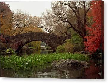 Autumn At Gapstow Bridge Canvas Print