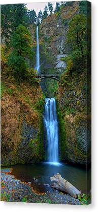 Autumn At Multnomah Falls Canvas Print