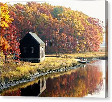 Canvas Print featuring the photograph Autumn Boathouse by Elaine Franklin