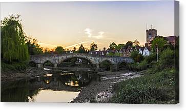 Aylesford Sunset Canvas Print by Ian Hufton